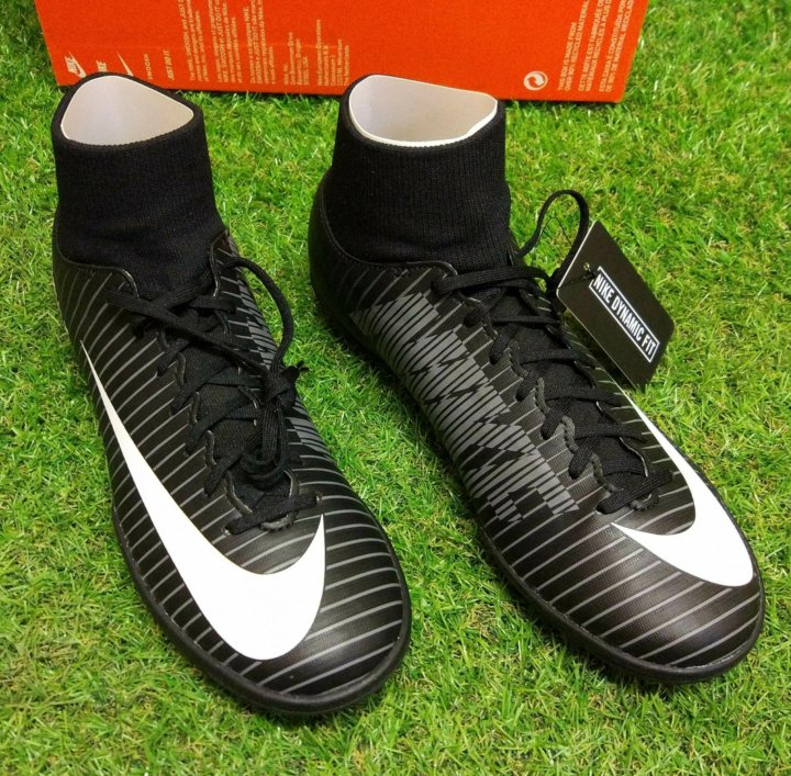 213b4f8c Новые футбольные бутсы сороконожки Nike 39 размер – купить в Москве ...