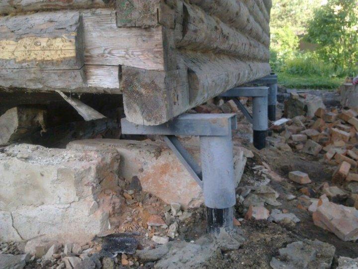 как поменять сваи под домом