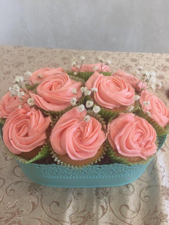 Букет из пирожных фото, где можно купить цветы мимозы оптом в москве