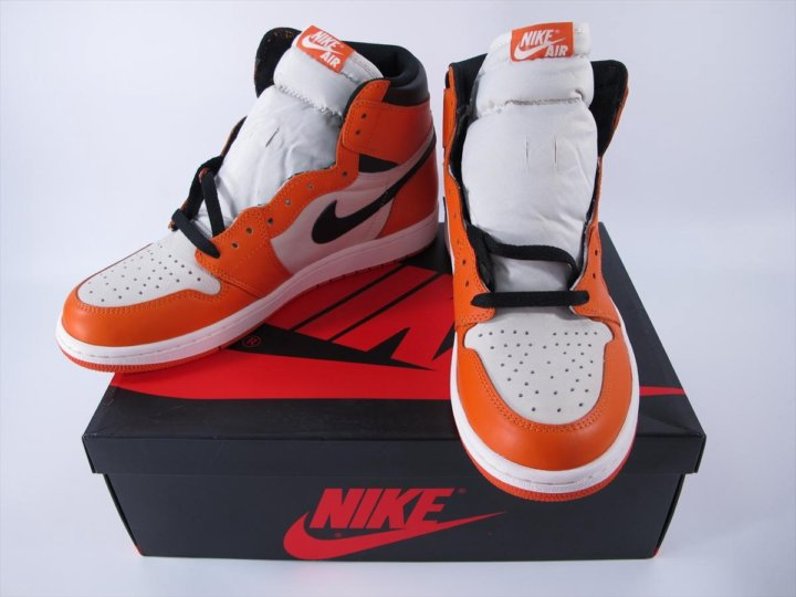 2968153b45f3 Кроссовки Air Jordan 1 оранжевые – купить в Барнауле, цена 4 450 руб ...