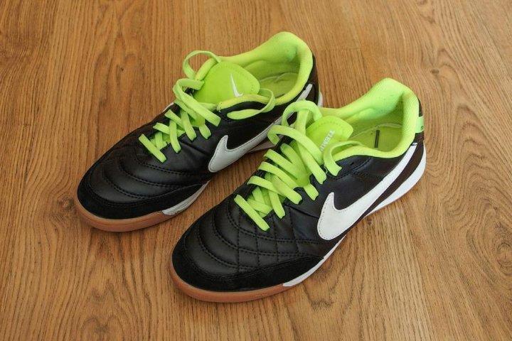 5117e6d8 Продам бутсы для зала, футзалки Nike Tiempo – купить в Москве, цена ...