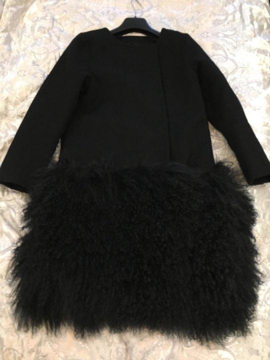 2e099f1d69c Пальто с мехом ламы – купить в Москве