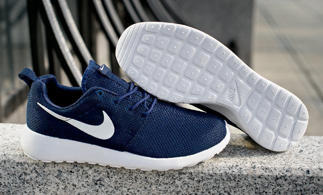 22e4c833 Кроссовки Nike Roshe Run – купить в Москве, цена 3 000 руб., продано ...