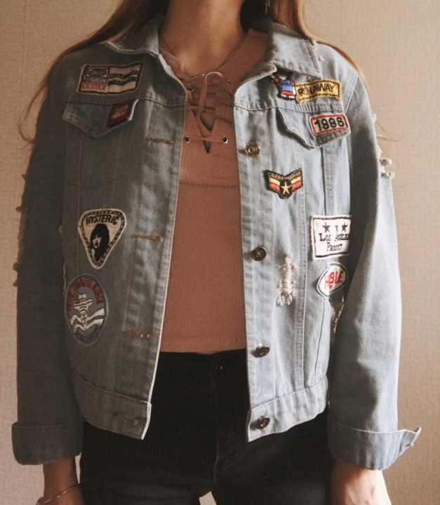 Джинсовая куртка женская – купить в Владивостоке, цена 500 руб ... 2ad0e011c72