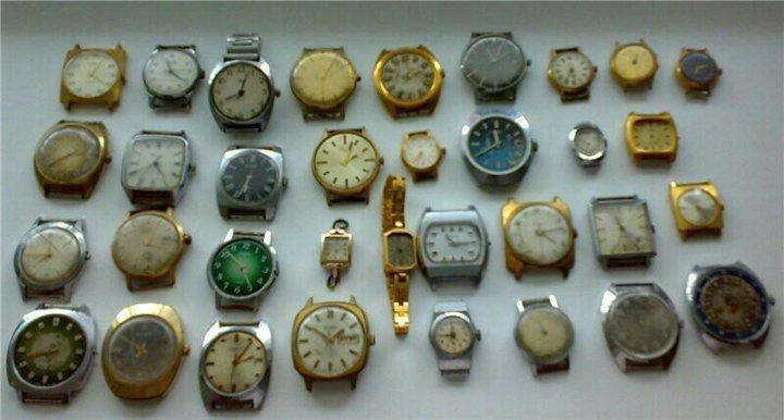 У этих часов стрелки заменила электроника часы находятся в музее..