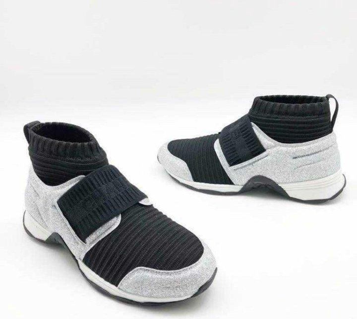 Chanel. Кроссовки женские новые. – купить в Москве, цена 6 700 руб ... 2e437fa8420