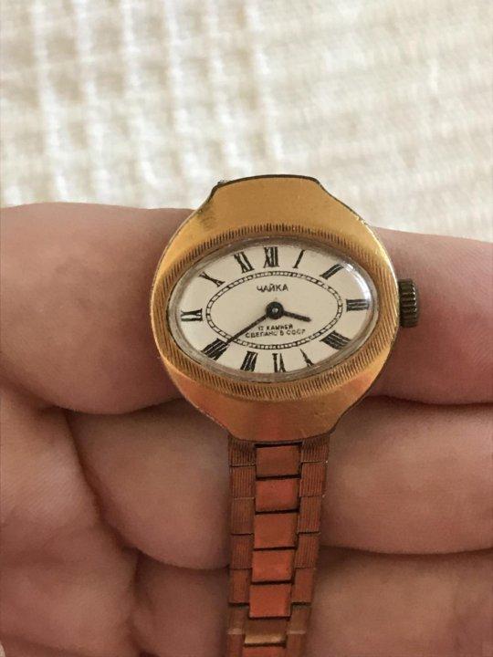 В современном корпусе, гравирова  золотые кольца серебряные кольца размеры: часы женские в рабочем состоянии.