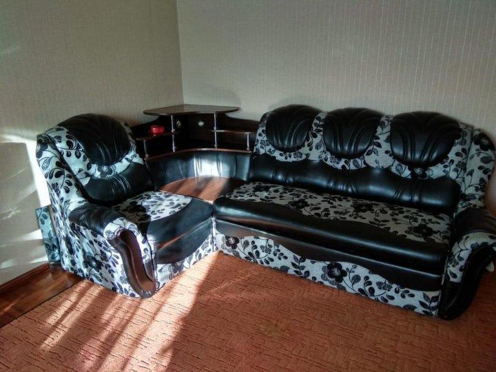 Угловой диван с креслом фото в томске