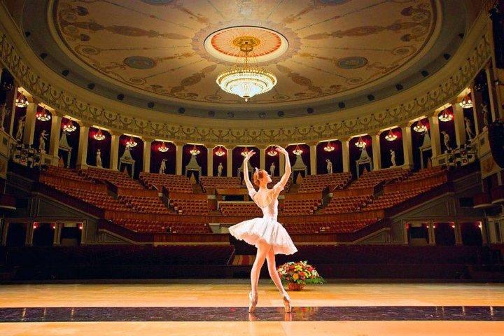 Купить билет в театр москвы дешево театр оперы и балета челябинск афиша на январь 2014