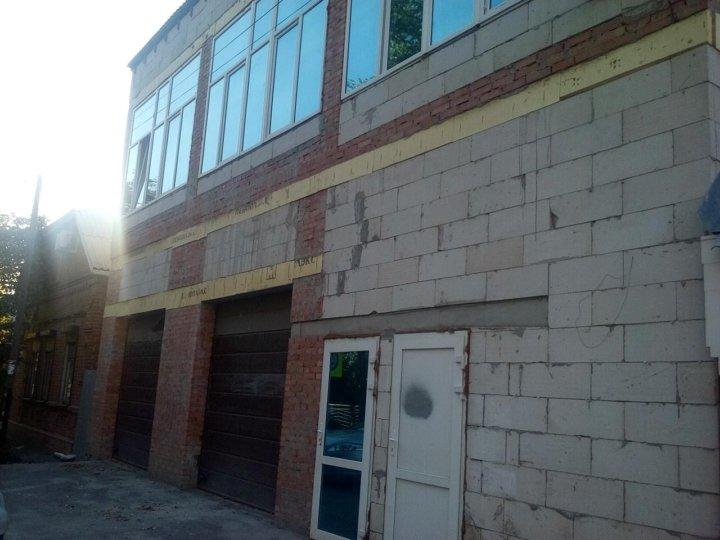 Коммерческая недвижимость в таганроге, 100 кв.м авито волгодонск коммерческая недвижимость купить