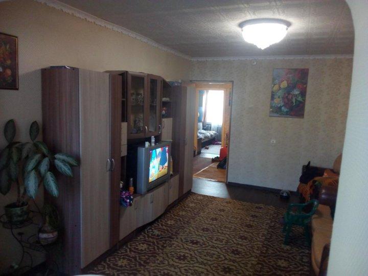 Дом двух подъездный, четырёхэтажный, кирпичный, с индивидуальным отоплением.