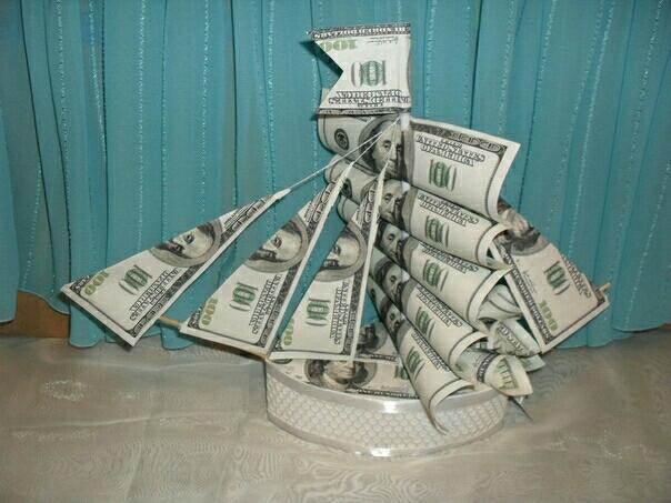 Открытка корабль из денег