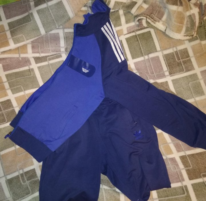 d0551d34 Оригинальный спортивный костюм adidas – купить в Москве, цена 400 ...