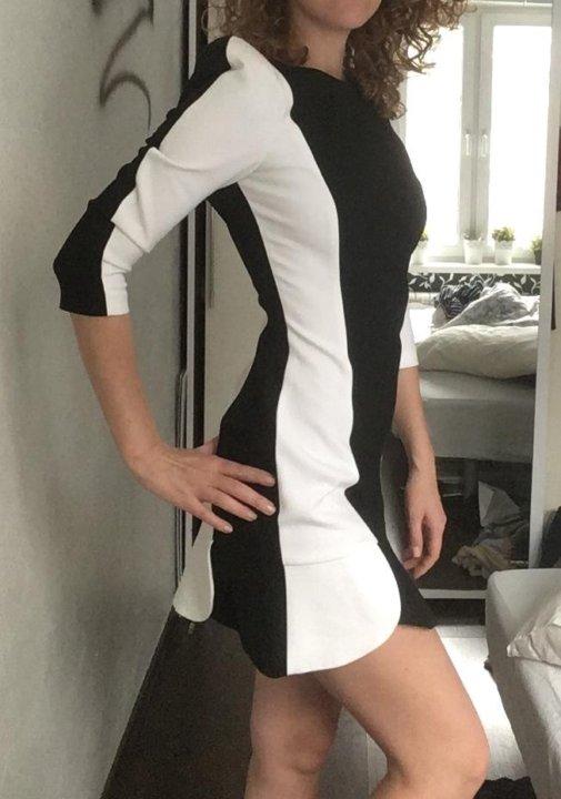 68fccf3ae9e Платье стройнящее фигуру Zara – купить в Москве