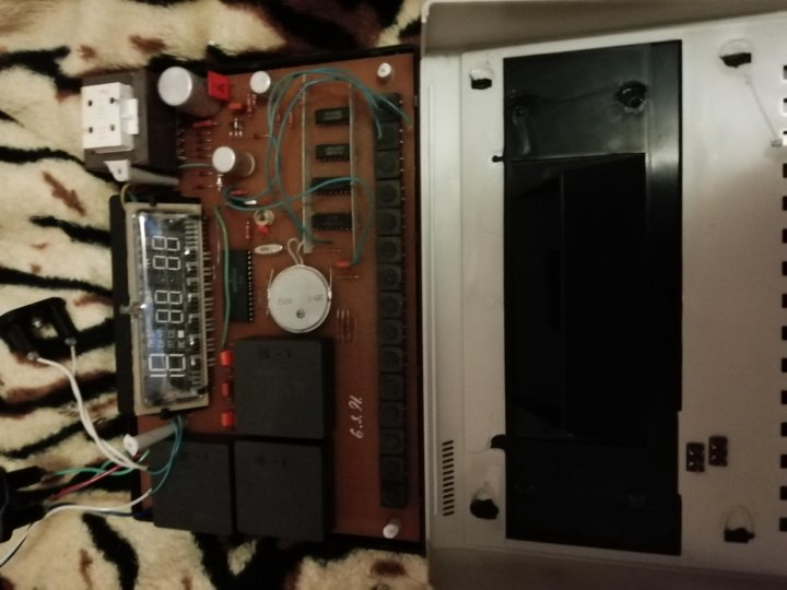 10 электроника продам программатор 21 часы мануфактура часовой ломбард