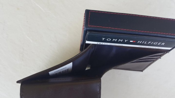 a3b877cbd2df Кошелек Tommy Hilfiger оригинал из США – купить, цена 2 500 руб ...