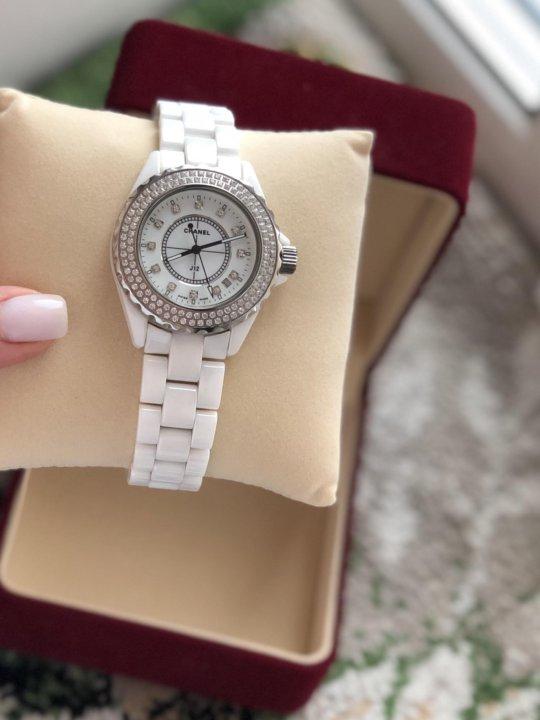 Шанель стоимость часы женские часы золотые продам наручные