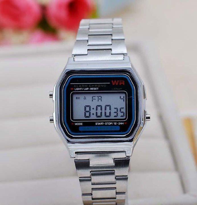 Омск часы наручные продать часа боулинг воронеж стоимость