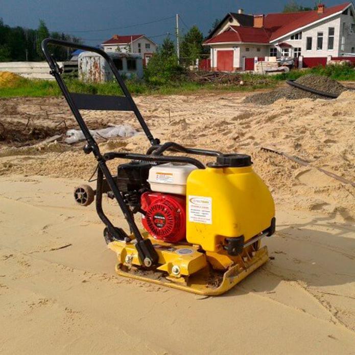 машина для утрамбовки песка