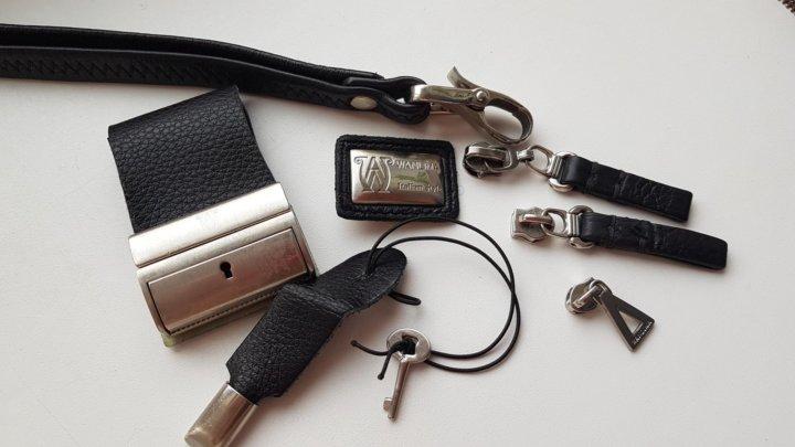 40a4954b9c4e Фирменная фурнитура для сумки. – купить в Красноярске, цена 900 руб ...