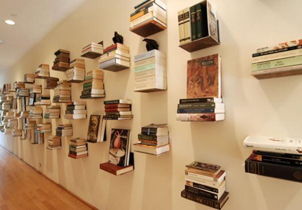 Как креативно расположить книги на полках фото
