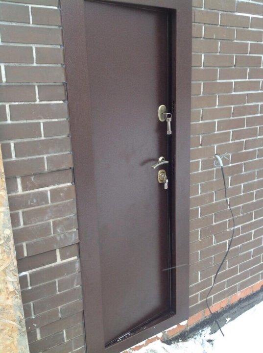 растение фото металлических дверей открывающихся внутрь руда