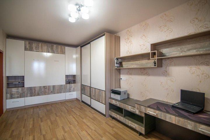 фото однокомнатных квартир со стенкой супертяжеловесам всегда