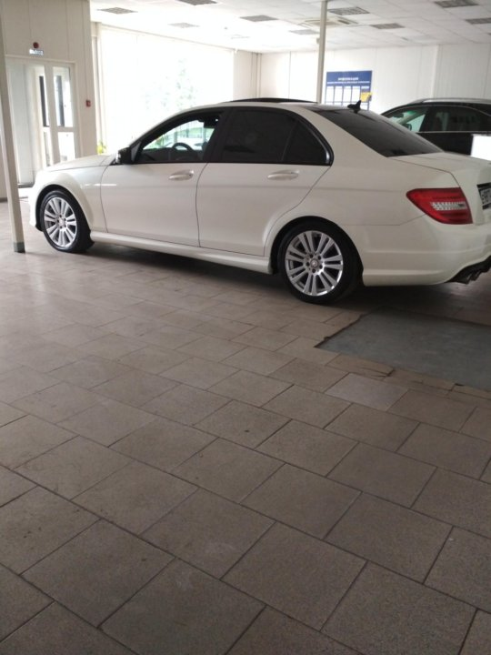 Мойщик автомобилей в автосалон москва автоломбард купить томск