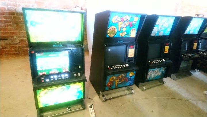 Игровые автоматы играть бесплатно акулы