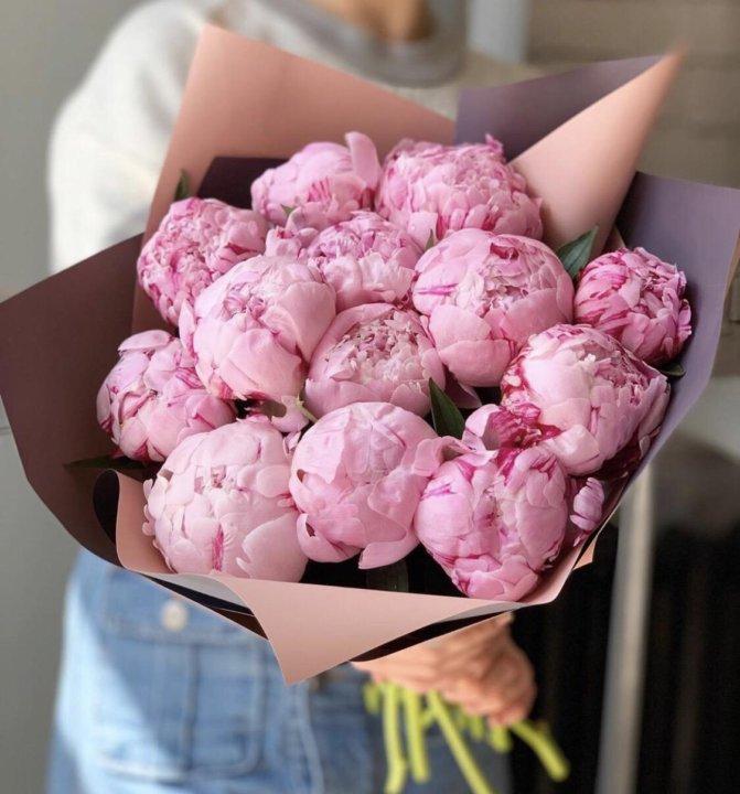 Магазин цветов, букет из пионов в санкт-петербурге