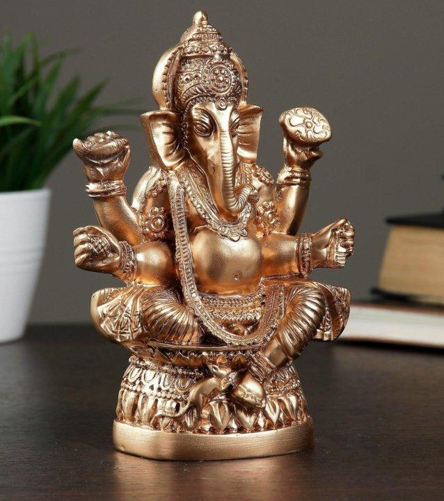 письмо фотографии статуэток индийских богов этом