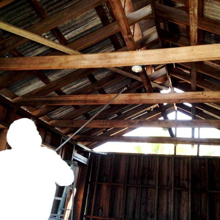 обработка огнезащитным составом деревянных
