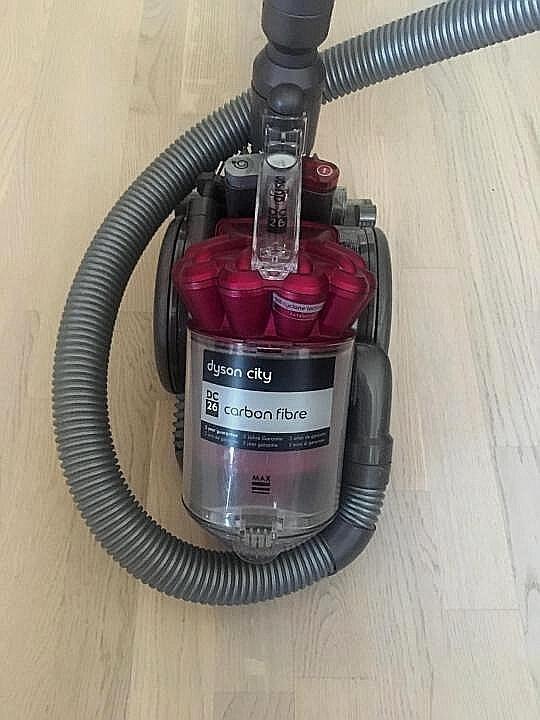 Dc26 carbon fibre dyson дайсон пылесос переносной