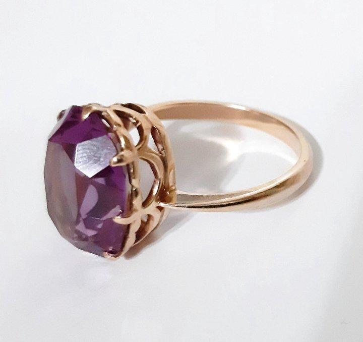 выкупают перстень с александритом женский фото гостиной спальне