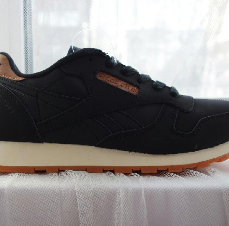 5dc01709f495 Кроссовки новые Reebok Classic 41 размер – купить в Москве, цена 2 000  руб., продано 26 августа 2018 – Обувь