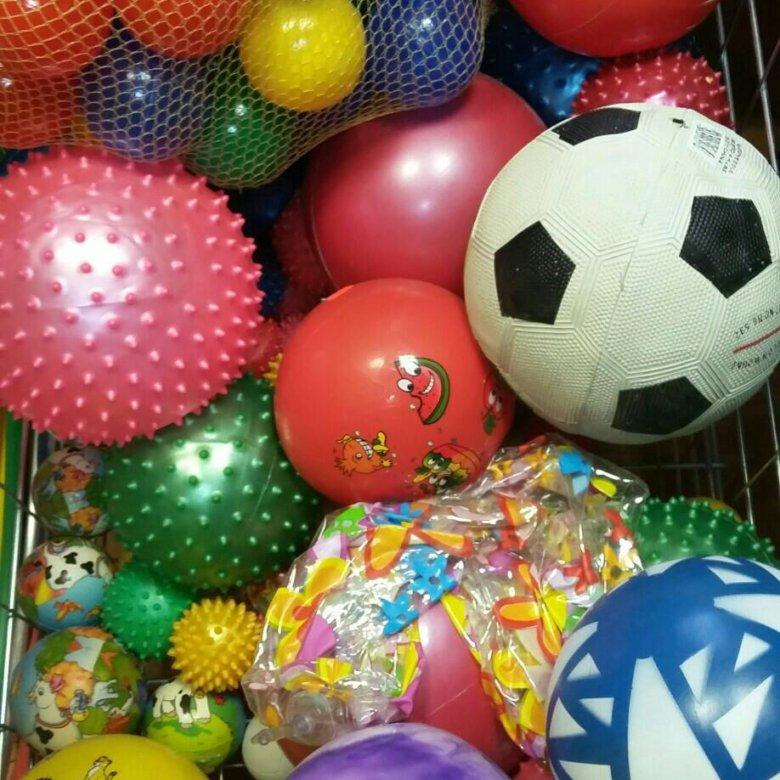 Картинки много мячей