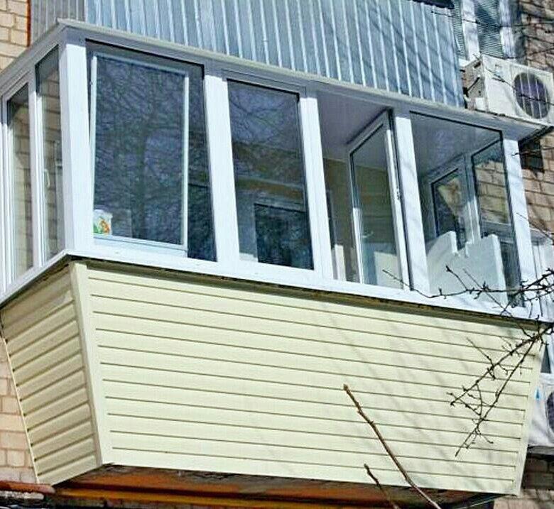 Остекление балкона с выносом на 15 этаже..