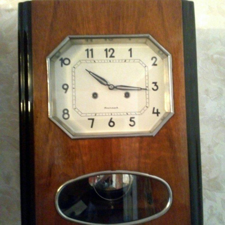 Настенные механические часы с четвертным боем и вестминстерской мелодией.