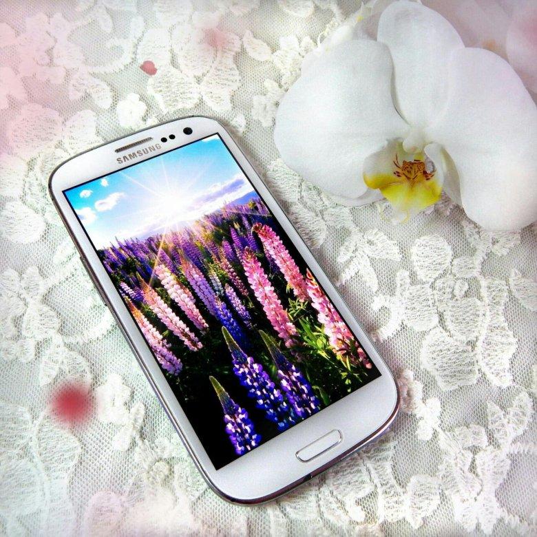 Картинке телефон сенсорный белый