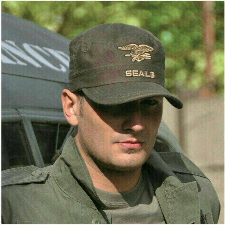 фото военных в кепках и очках рожки еще