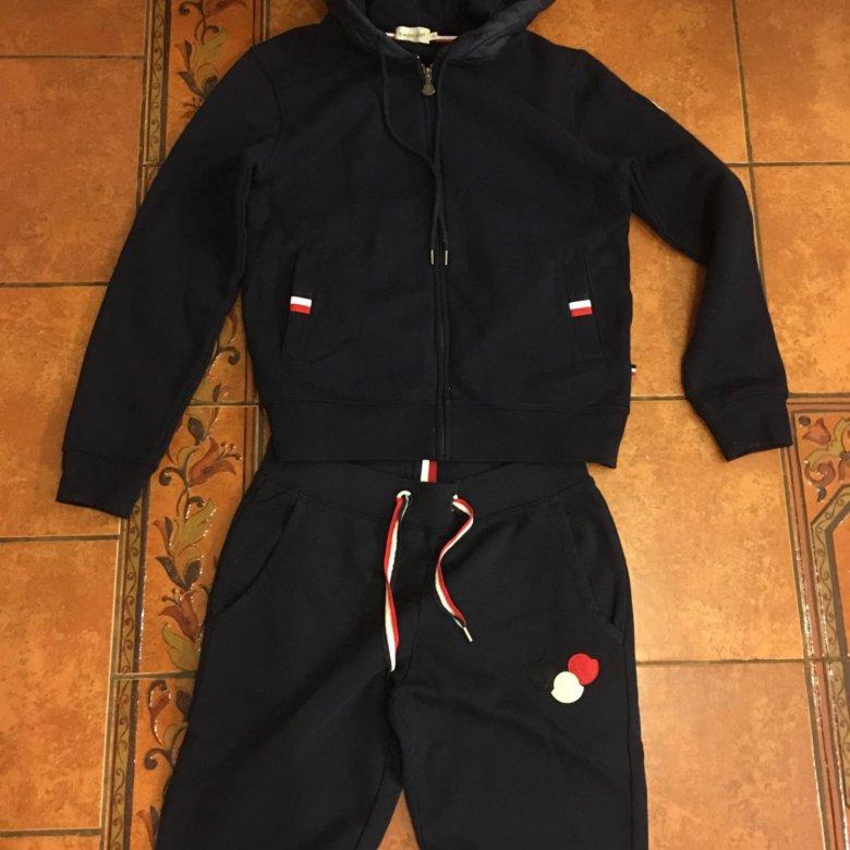 Спортивный костюм Moncler – купить в Санкт-Петербурге, цена 16 000 руб.,  продано 21 августа 2018 – Спортивная одежда fe0909ff2c9