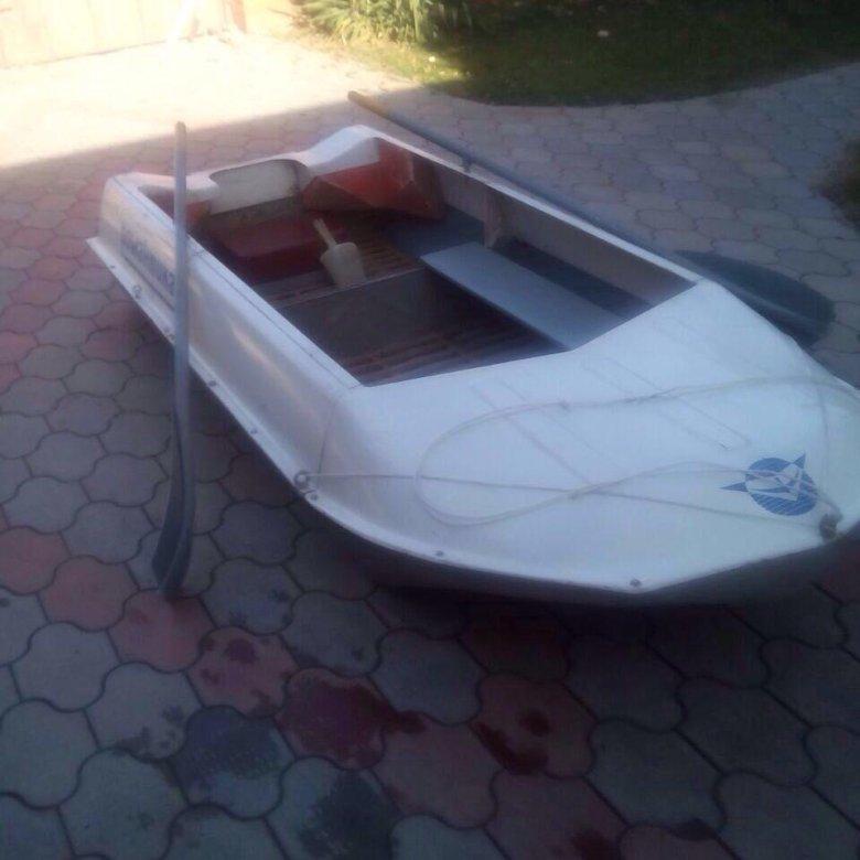 Лодка романтика на охоте