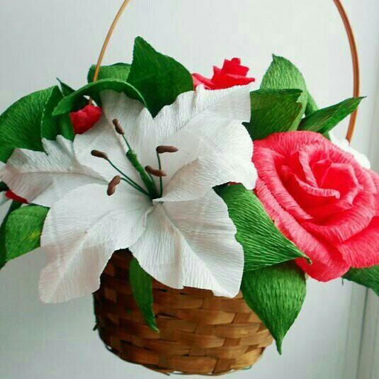 Цветы и корзины из гофробумаги, невесты розы