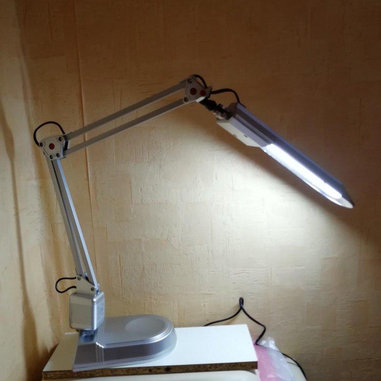 Быстрый просмотр лампа-лупа светодиодная с регулировкой интенсивности свечения 5 диоптрий на струбцине тм 11 р.