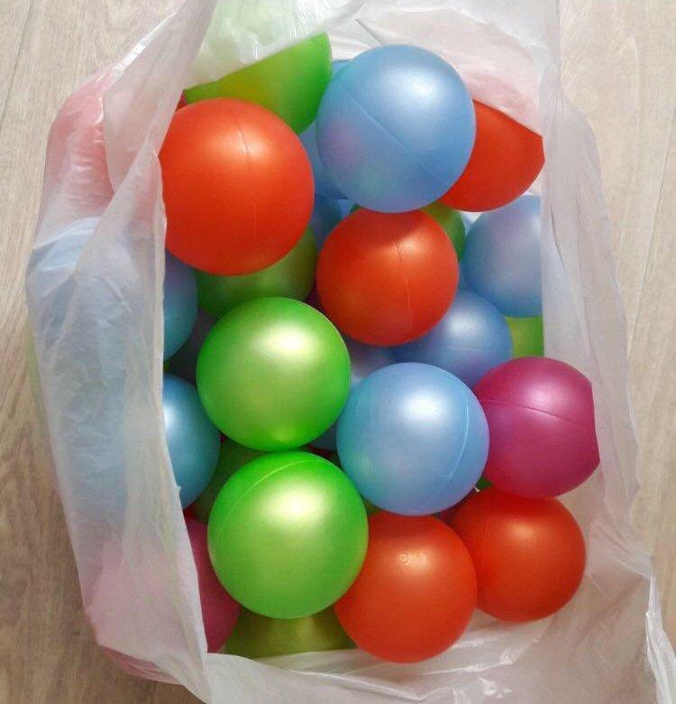 четвереньках картинка шаров из сухого бассейна деревянные балки