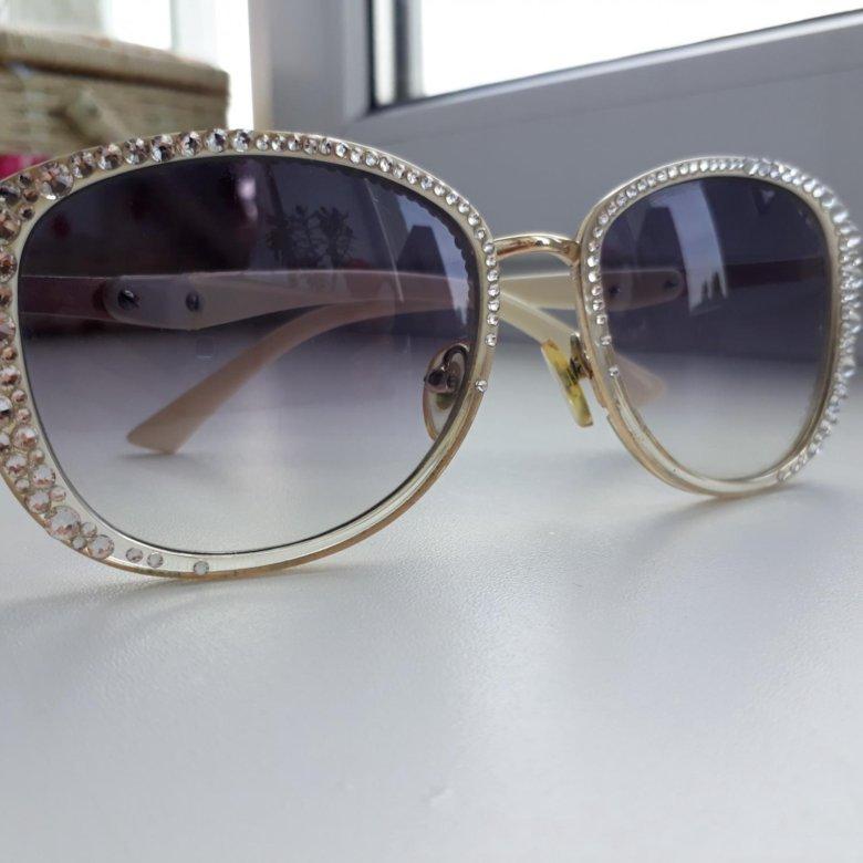 челюсти брендовые очки сваровски фото пожаловать