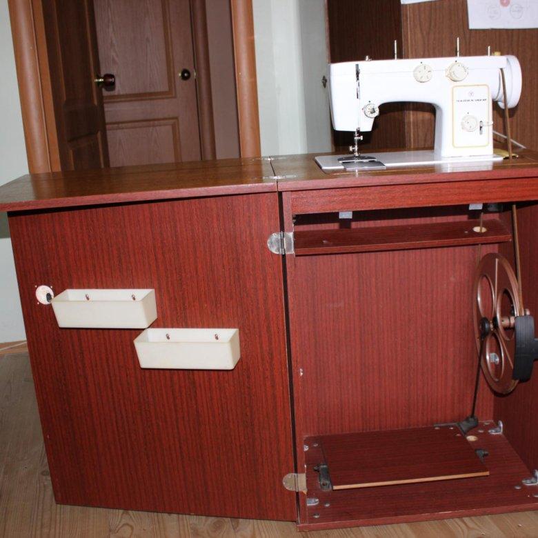 швейная машинка в тумбе картинки приближённые также