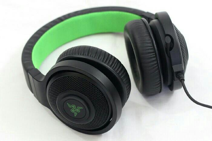 Зеленые наушники фотографии