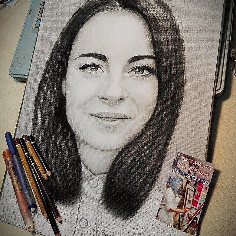 Портрет карандашом на заказ по фото москва