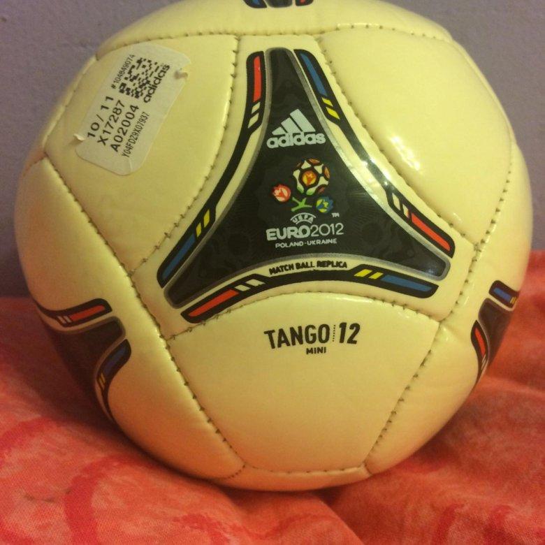 Сувенирный футбольный мяч Adidas Tango 12 Mini – купить в Москве ... e9188de134d3b